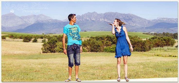 Nog net 3 dae voordat Magda Frylinck van Mags Pix Photography Natasha en Hanno se Trou foto's by Helpmekaar neem.