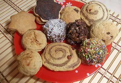 Семь пошаговых рецептов рассыпчатого песочного печенья с фото и видео. Эти рецепты очень просты в исполнении и сделать их сможет каждая хозяйка.