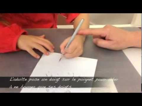 - Travailler le tracé sans lever la main.pdf Merci à Célia Cheynel pour son travail si intéressant!  Site officiel de l'auteur Hervé Tullet