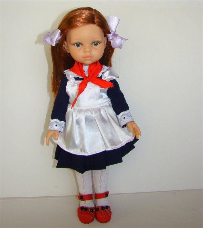 Комплект школьной формы «Ностальгия». Синее платье, белый фартук, красный галстук, белые колготки, красные туфли, белые бантики. Комплект подходит на девочек / 850р