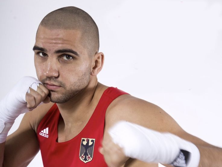 Olympia 2016 Serge Michel verlor seinen Kampf gegen den riesigen Ecuadorianer Juan Carlos Carillo. Morgen boxen zwei Deutsche, Araik Marutjan und David Graf