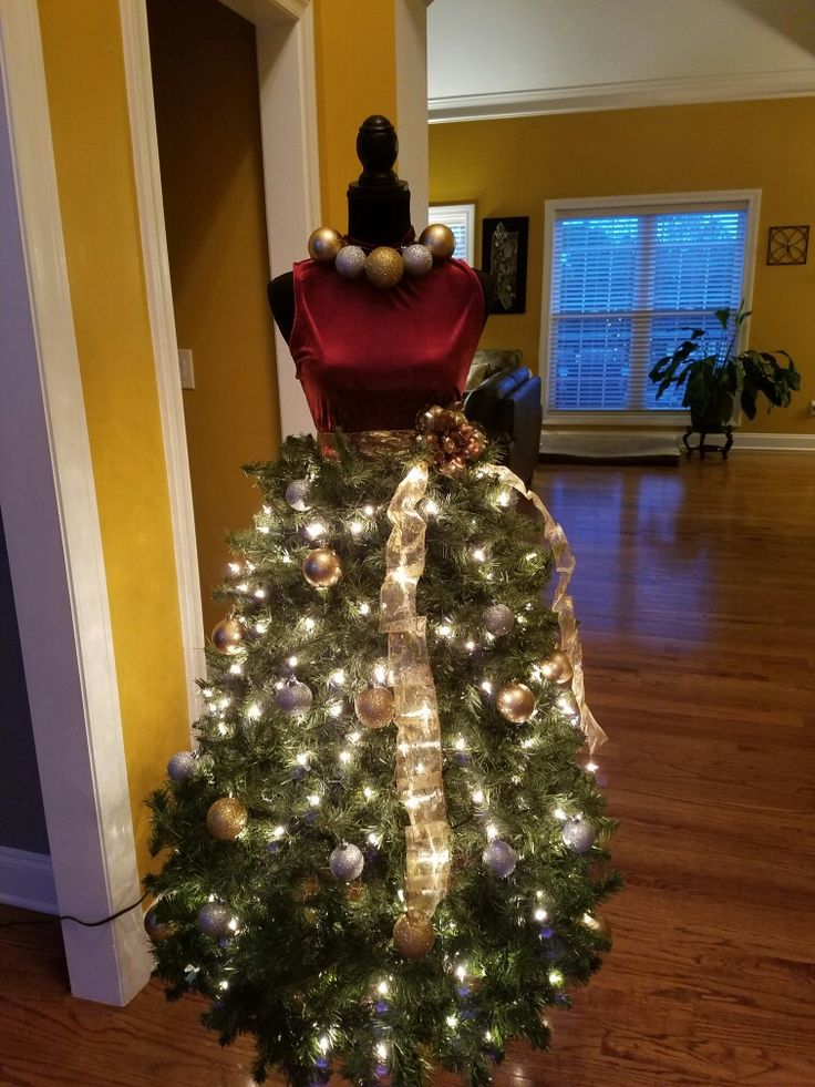 My first dress form Christmas tree!!!