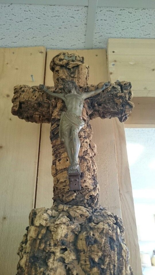 A small cross in a second hand store, Zwolle