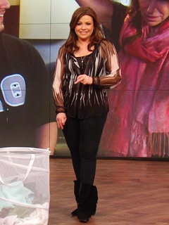 Love Rachael's outfit? Click through to see what she's wearing on the show today! #RachaelRay