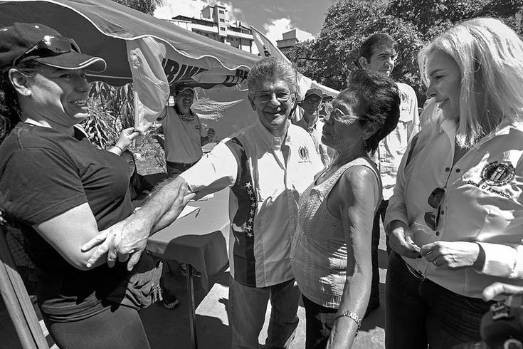 Las próximas elecciones de Venezuela estarán en el centro del diálogo que el gobierno y la oposición retomarán hoy en República Dominicana https://ladiaria.com.uy/articulo/2018/1/las-proximas-elecciones-de-venezuela-estaran-en-el-centro-del-dialogo-que-el-gobierno-y-la-oposicion-retomaran-hoy-en-republica-dominicana/#!