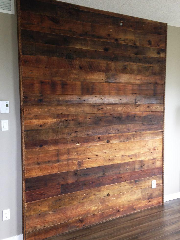 Panneau préfabriqué en bois de grange brun