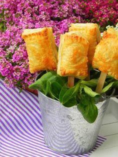 Piruletas de brie y mermelada de frambuesa | CocotteMinute – Glam cooking, creative living