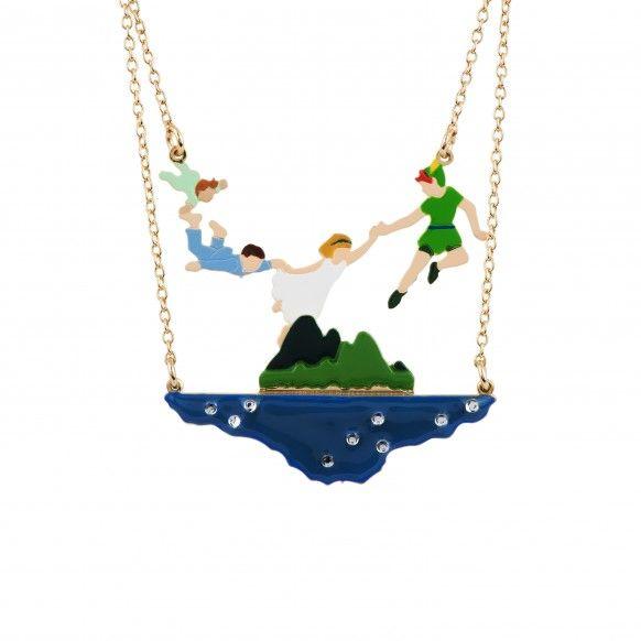Collier Peter Pan et les enfants Darlings volant au dessus du pays imaginaire