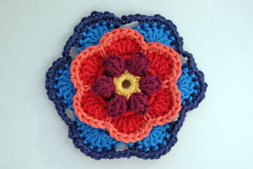 Wow! Can you believe that once these blocks are crocheted we will be half way though this year's CAL project ? It is amazing just where the...
