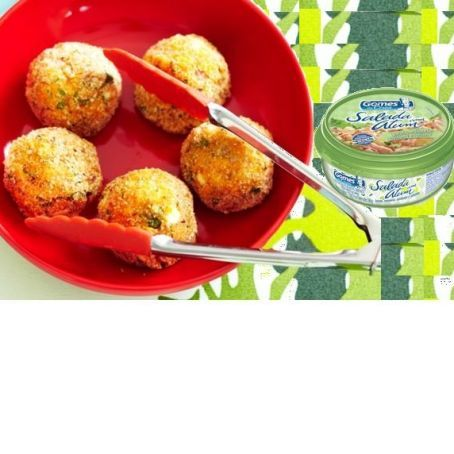 Bolinhos de atum e batatas e  azeitonas no forno