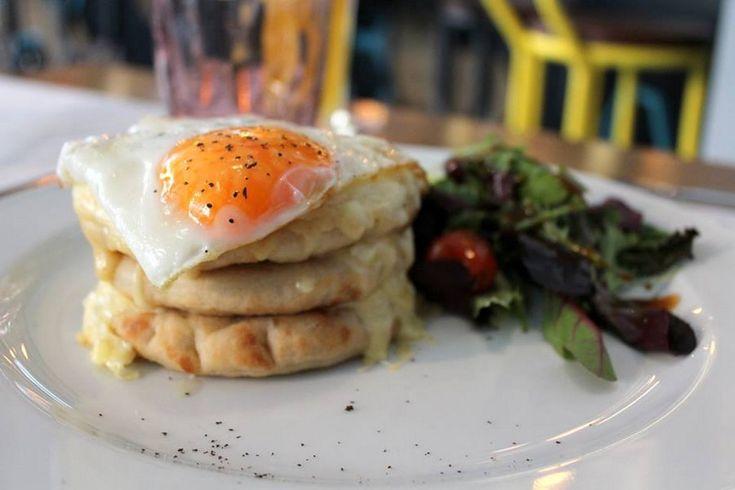 Be, Excelsior Hotel, Cafe Bar - Restaurant, Komninon 10 and Mitropoleos, Thessaloniki, Tel.:2310 272045
