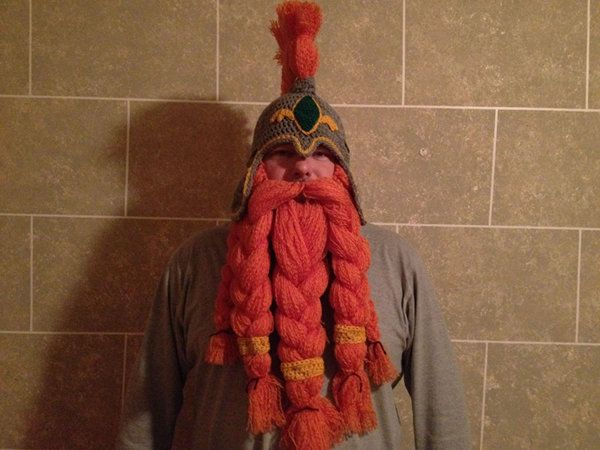http://fashionablygeek.com/handmade/crocheted-skyrim-helm-with-beard/