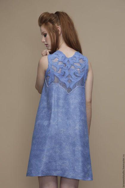 Купить или заказать Платье с ажурной спинкой 'Голубизна' в интернет-магазине на Ярмарке Мастеров. Совершенно тонкое , легкое платье , сделано из мериносовой шерсти 18 микрон на тончайшем маргиланском шелке и волокнами вискозы с ажурной спинкой сделаной в технике шерстяное ришелье . Платье окрашено в ручную в небесно голубой цвет. Это платье отлично подходит и для повседневной носки и как коктельное платье для вечеринок. Оно невероятно комфортно благодаря использованным в его создании ...