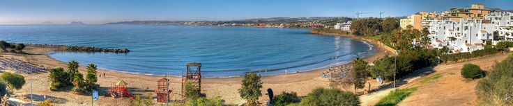 Estepona. Playa del Cristo. Al fondo podeis ver el Peñon de Gibraltar y las Costas de Africa.