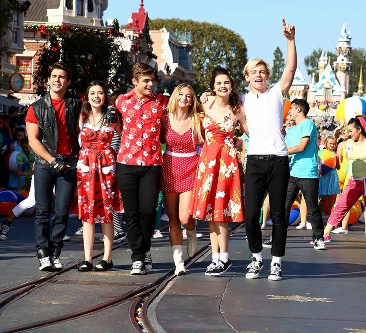 teen beach movie right a comment if you like this show