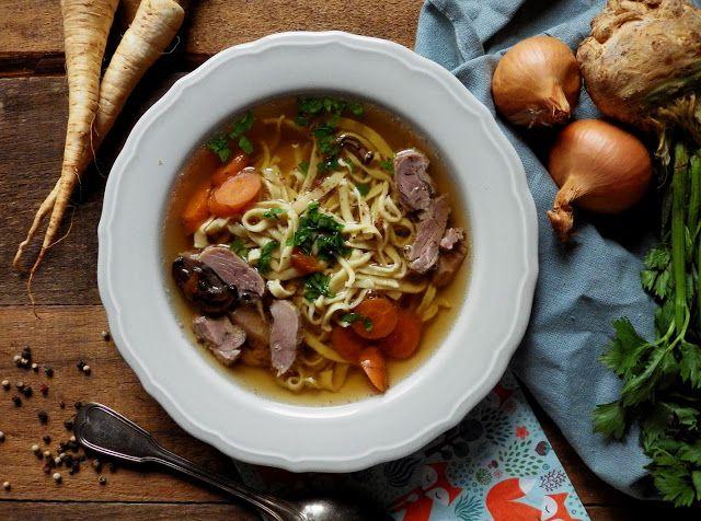 Quinoa Raz!: Rosół z pieczonej gęsi z suszonymi grzybami i domo...
