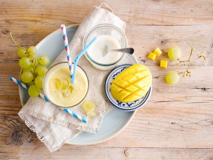 U zult het snel genoeg merken: deze frisgele smoothie met Alpro plantaardig alternatief voor yoghurt