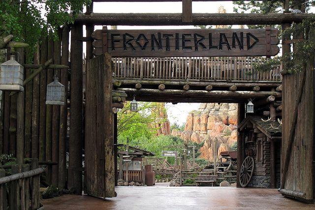 Disneyland Frontierland | Frontierland, Disneyland Paris ...