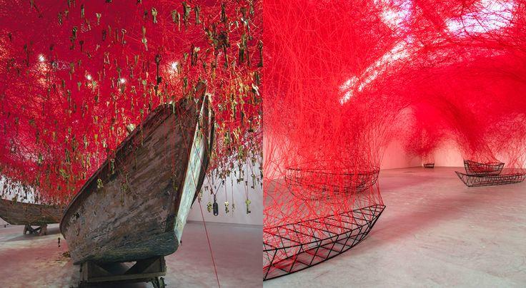 colagem-duas-instalações-de-chiharu-shiota-lã-vermelha-e-barcos