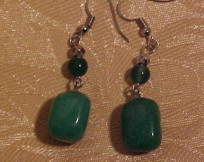 Green JADE drop Earrings Good Color and Size.  FREE shipping in the United States