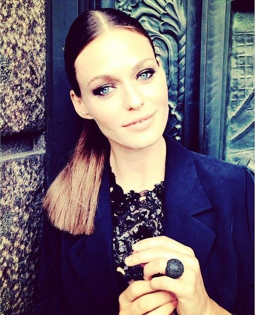 The beautiful host of Danish Dancing with the Stars, 'Vild Med Dans', Sarah Grunewald wearing our black Baronissi ring