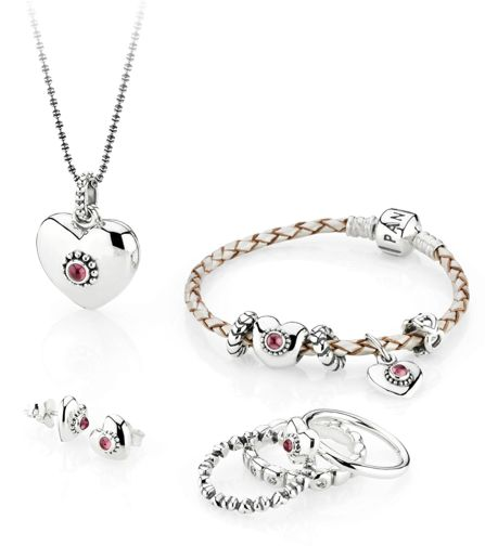 Do you heart this styling? #PANDORAring #PANDORAbracelet #PANDORApendant #PANDORAearrings all with hearts
