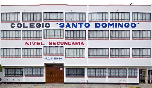 """Colegio Santo Domingo de Chorrillos - """"El que Nació para Triunfar"""""""