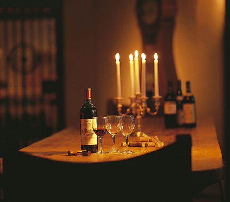 Når middagen er spist så kig ned i vinkælderen og smag de lækre vine på Comwell Aspenäs