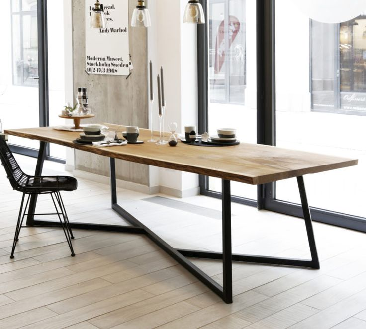 Esstisch Steel Oak – Massive Eiche & Design-Stahlgestell