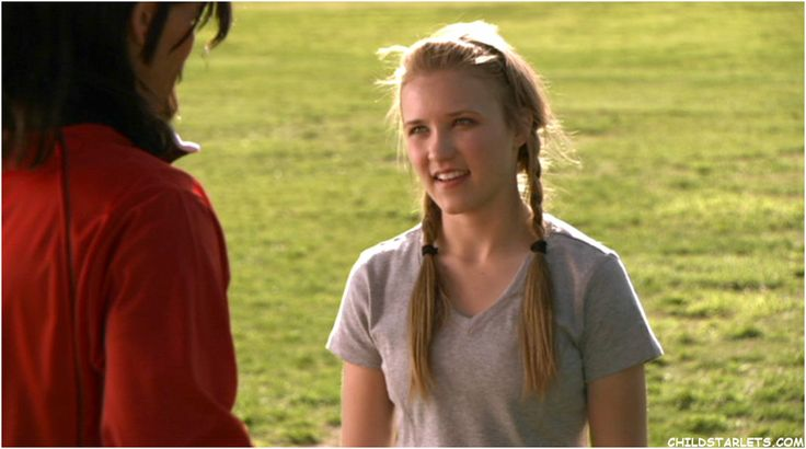 emily osment in soccer mom | previous page next page