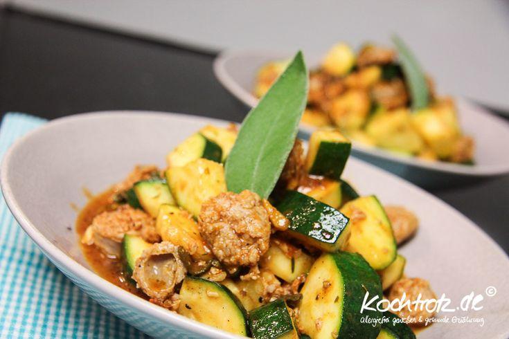 Zucchini mit Bratwurst - Express für den schnellen Hunger - KochTrotz | Foodblog | Reiseblog | Genuss trotz Einschränkungen