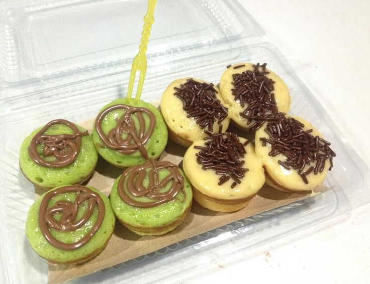 Mix ur fav flavour and topping here.. Only at Kue Cubit Melt In You Makassar jln. Gn nona (front of yammie).. Pic : peppermint and original vanilla plus topping meses and nutella  by meltinyou_mksr