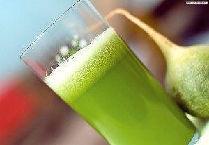 Ce smoothie comprend de la dent-de-lion, des mangues, des bananes et du gingembre. Parfait pour un boost d'énergie à toutes heures de la journée !