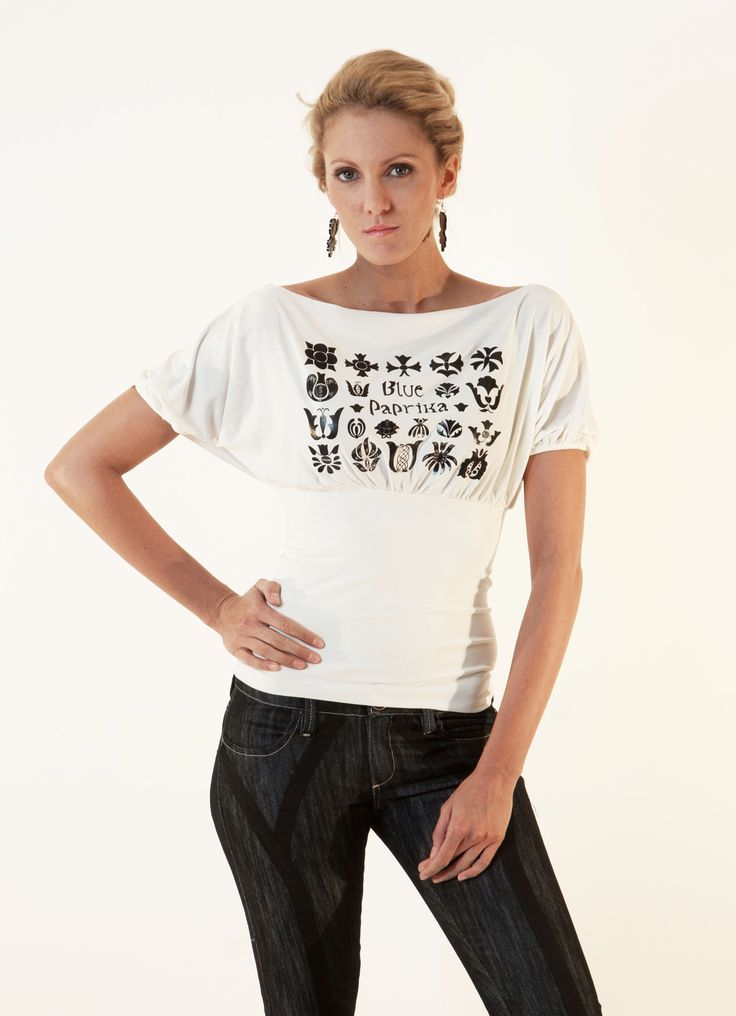 T-sleeves top with Hungarian patterns on front