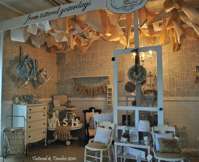 .love the paper walls ~ shop display
