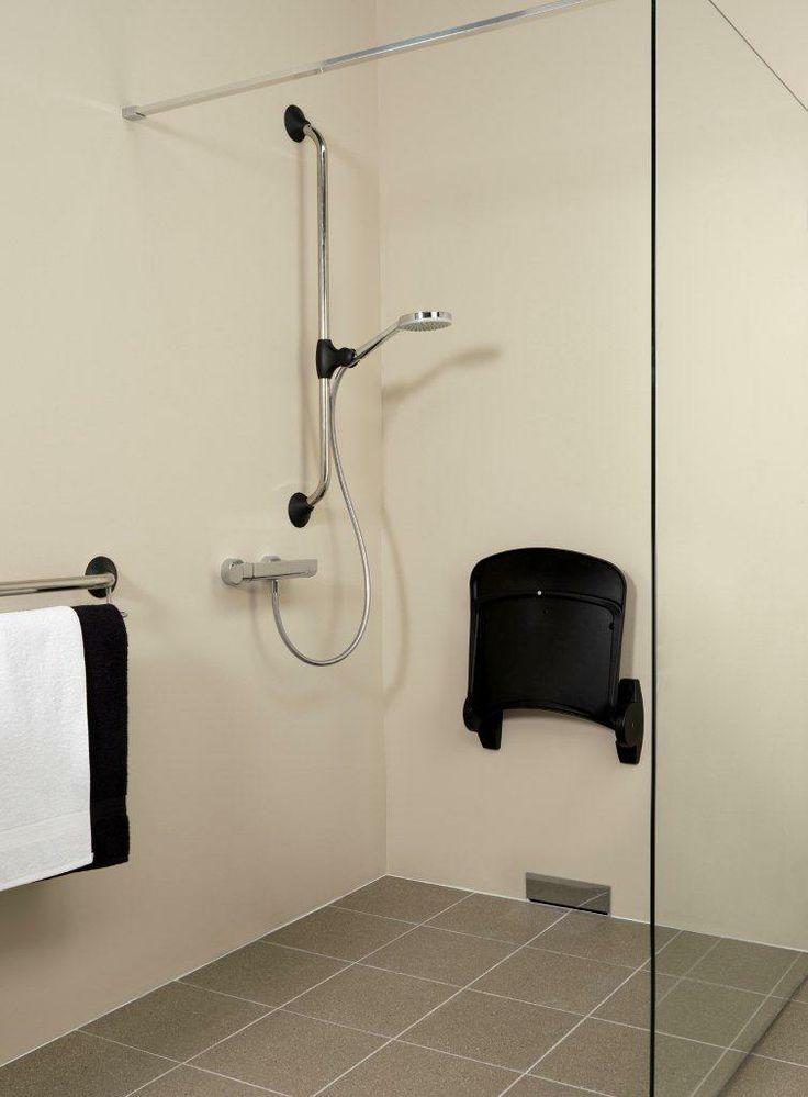 Compleet aangepaste douche. Heerlijk douchen met een klapstoeltje. #Badkamerwinkel