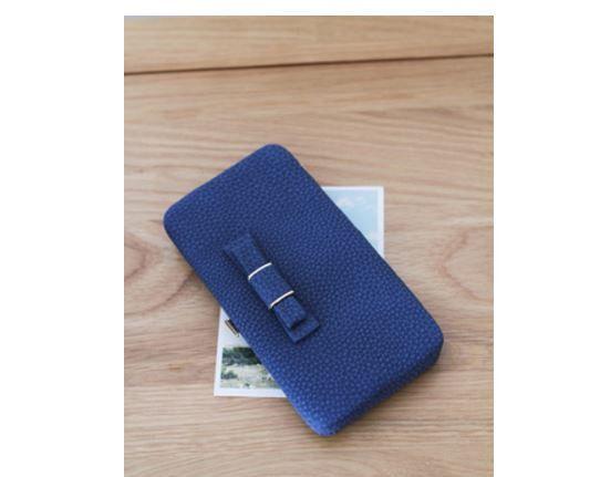 Velmi prostorná kožená dámská peněženka s mašličkou – modrá – SLEVA 70 % + POŠTOVNÉ ZDARMA Na tento produkt se vztahuje nejen zajímavá sleva, ale také poštovné zdarma! Využij této výhodné nabídky a ušetři na …