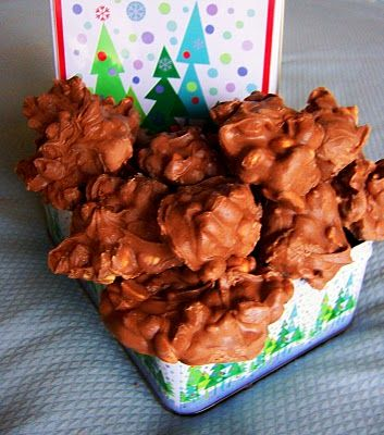 Christmas Crockpot Candy! Will have to try this out this Christmas.Crockpot Candies, Chocolate Chips, Recipe, Sweets, Crock Pots Candies, Food, Peanut Butter, Christmas Crockpot, Crock Pot Candy