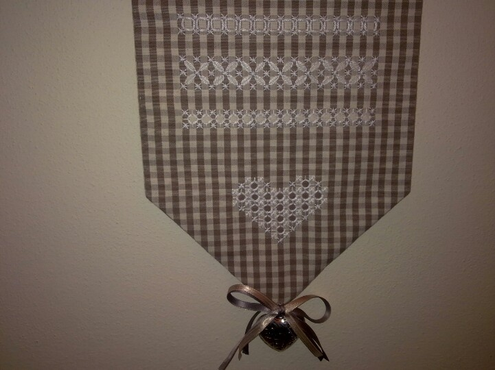 My first broderie suisse