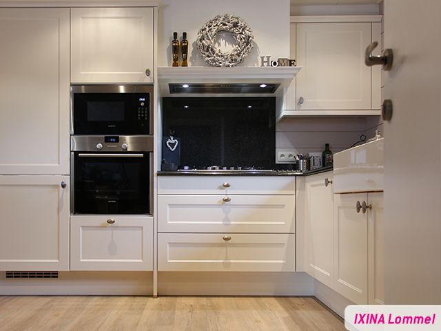 Cheap witte landelijke keuken realisatie van ixina lommel for Cuisine ouverte en anglais