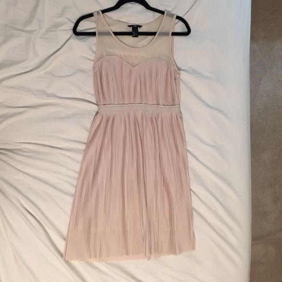 Blush/pale pink dress. Pale pink/blush, tea length dress with pleats. Very stretchy, loose and comfortable. H&M Dresses