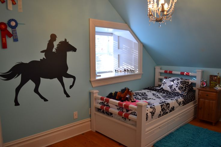 I so need to do this- horse stall on wall | Bedroom themes ...
