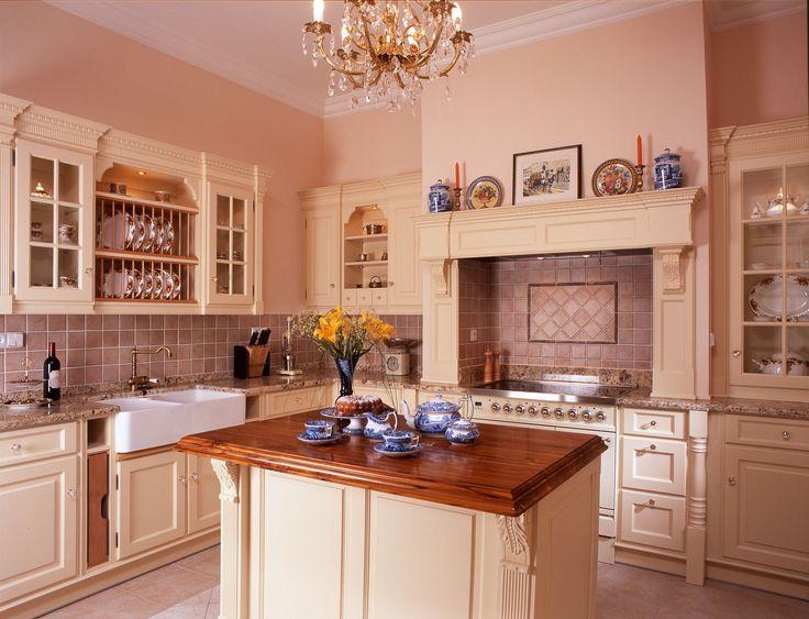 Kuchyně Hš Rustikal, kolekce Royal, vanila antik.