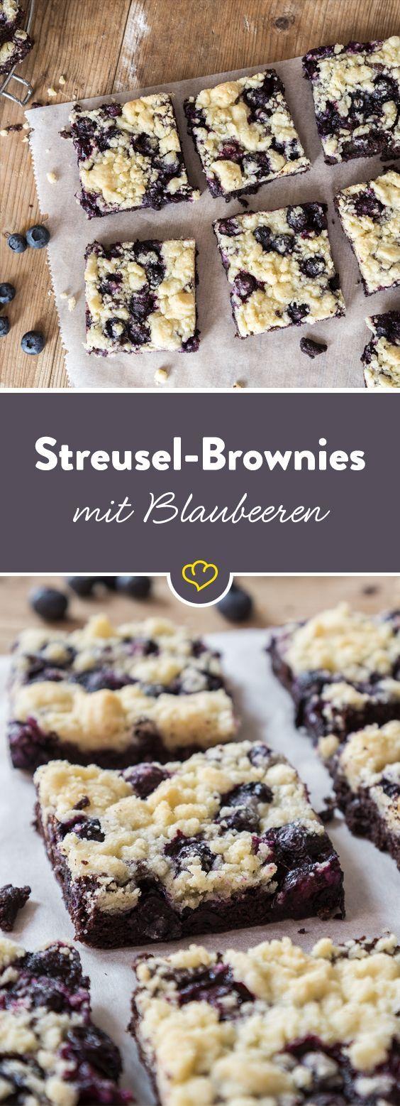 Für dein Knuspervergnügen: Streusel-Brownies mit Blaubeeren
