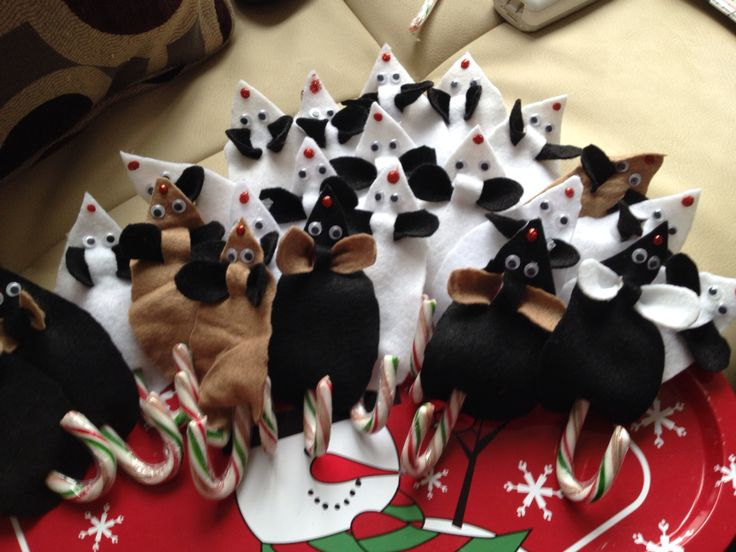 Christmas Mice - for anyone without a chimney Santa sends his mice under the door to unlock it for him ;)