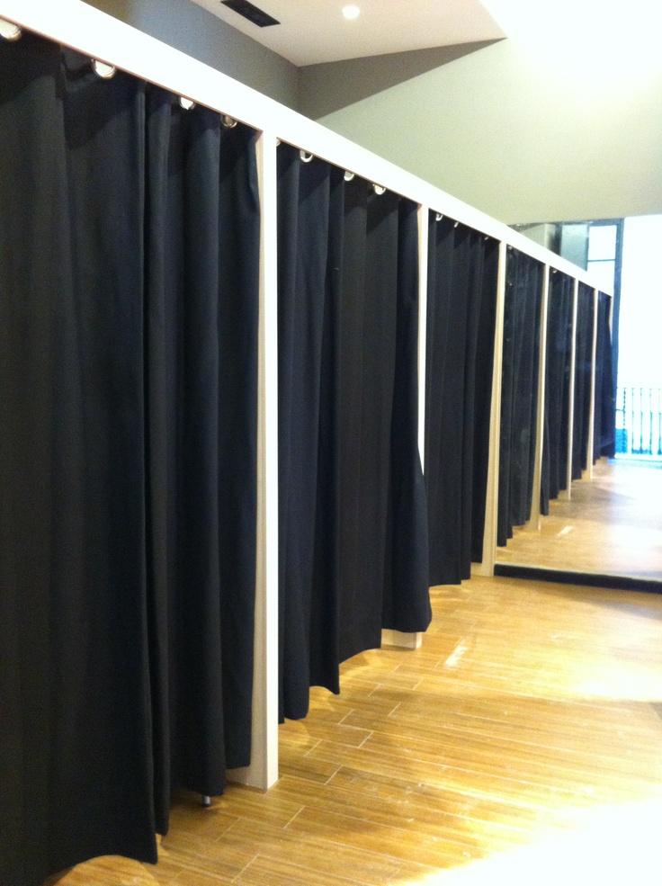 Cortinas para probadores de tienda #cortinaje #interiorismo # ...