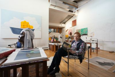 Ana mercedes hoyos en su estudio.