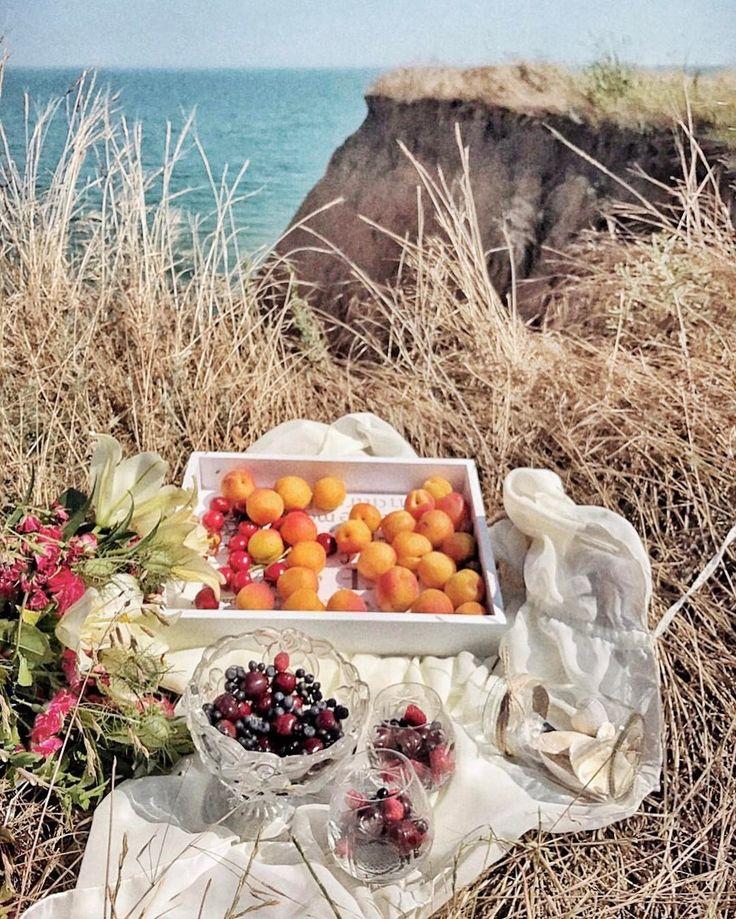 Просто сесть в машину и поехать за город разведывать новые красивые склоны и пляжи... Люблю такое воскресенье🙌🏻 . . . . . #sea #odessaphoto #niceday #goodlife #instagood #instadaily #instaphoto #happy #photo #ukraine #beautiful #красиво #фото #niceday #iphonephoto #followme #море #beach #summer #snapseed #picnic #fruits