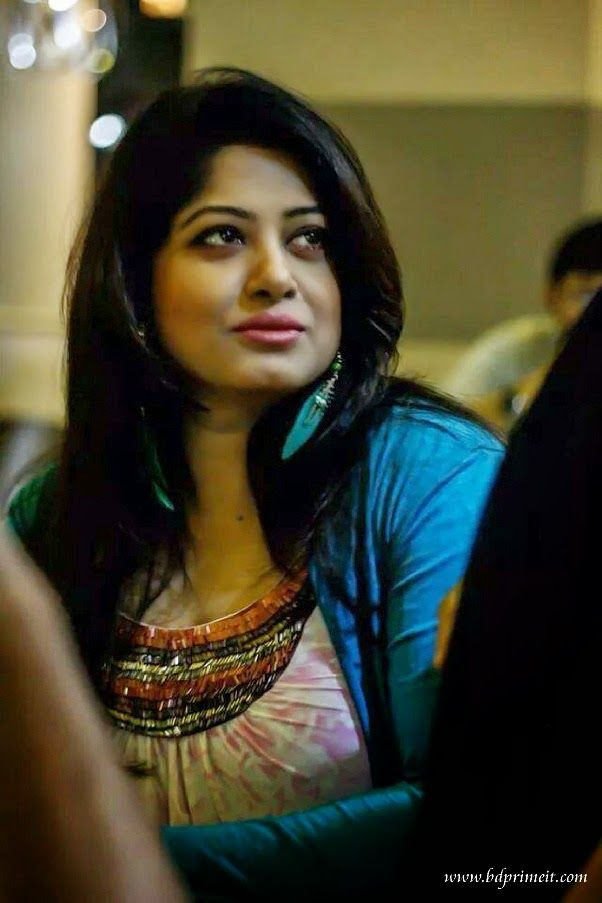 Bangladeshi Actress Mousumi Biography  Photo-Pictures