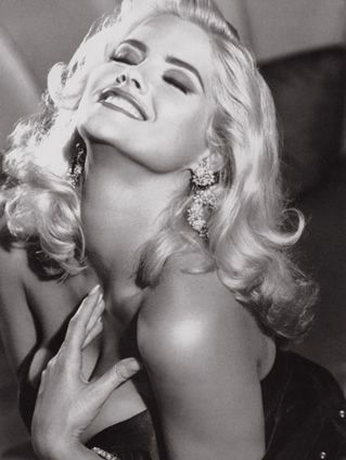 Anna Nicole Smith Death Photo of Celebrities Famous people Source Link:-google.com.pk Anna Nicole Smith (born Vickie Lynn Hogan) (Nove...